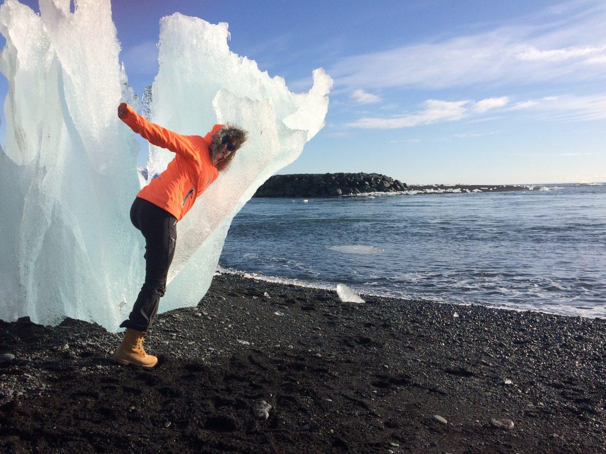 Élodie Alzieu profite de la beauté de l'Islande